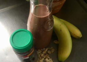 morning mocha smoothie bowl ingredients