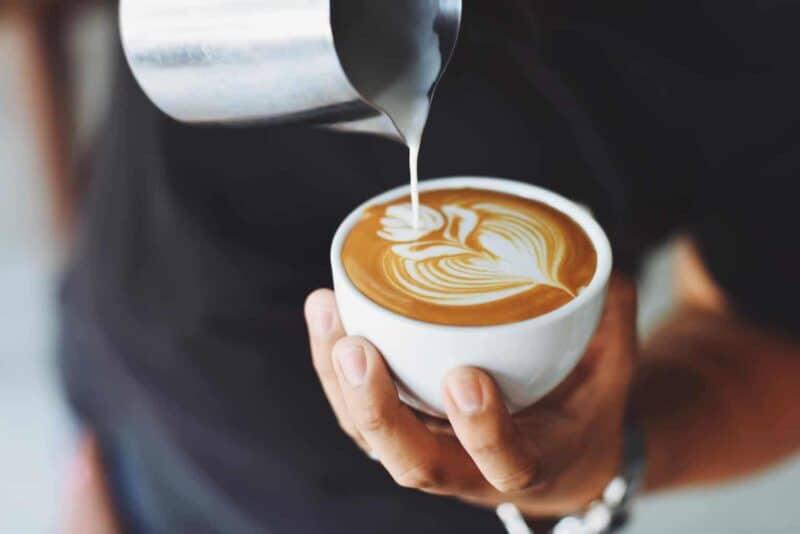 Flat White vs Cappuccino: A Break Down on the Milk-Based Debate