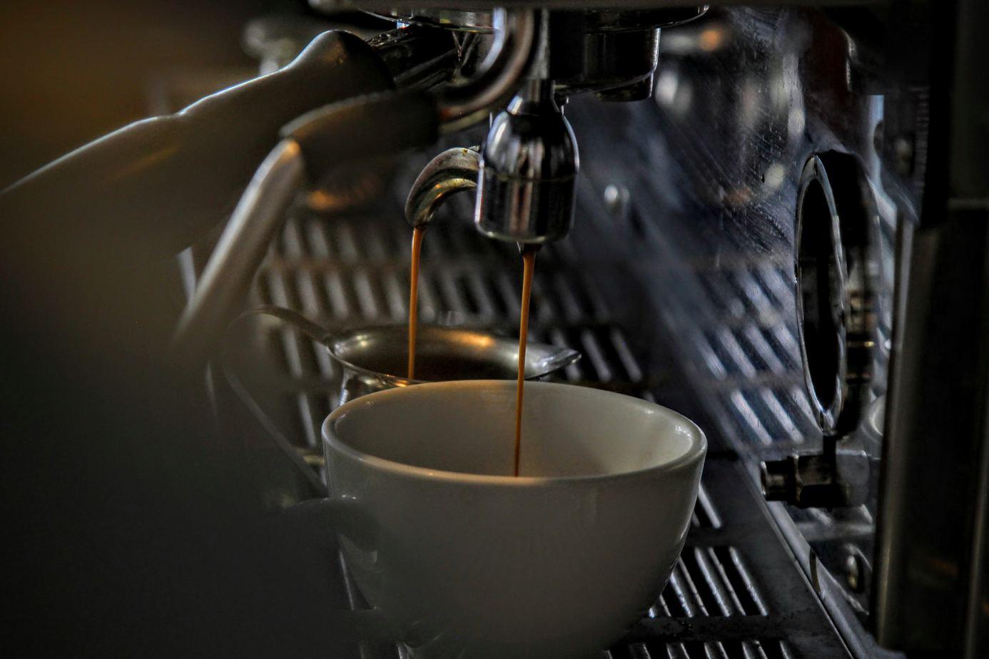 French Press vs  Espresso - Comparing 2 Iconic Coffee
