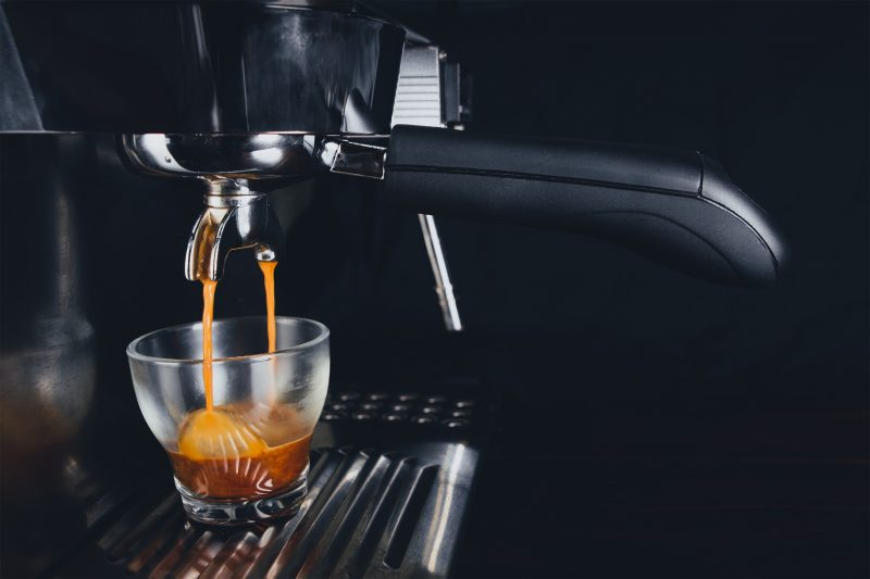 Saeco vs De'Longhi: What's the Better Espresso Machine?
